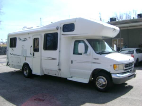 Photo 2000 Ford E-450 Born Free 26 Ft Motor Home 86,407 Miles - $15500 (Villa Rica)