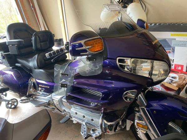 Photo 2003 Honda Goldwing GL1800 - $5250 (Gainesville)