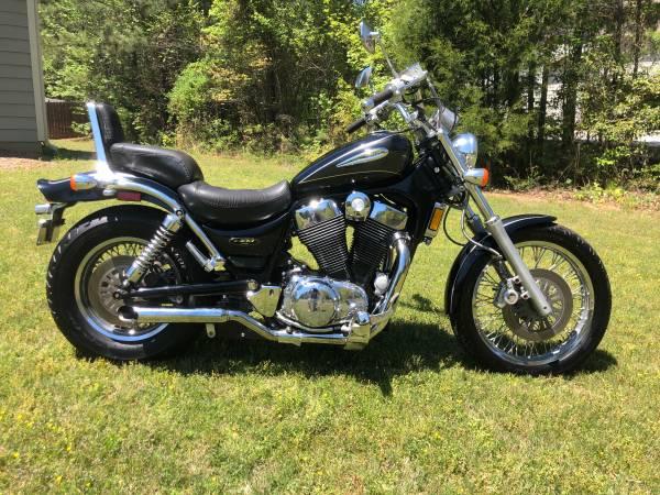 Photo 2004 Suzuki Intruder - $3,700 (Lagrange)