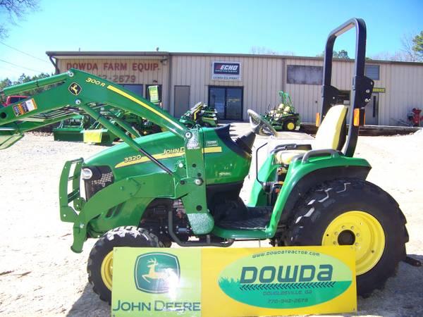 Photo 2005 John Deere 3320 4x4 tractor w loader - $15999 (Douglasville, Ga)