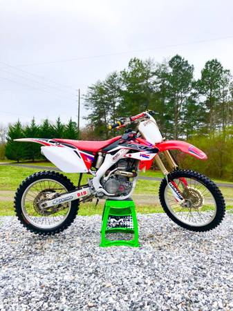 Photo 2009 Honda CRF250r - $2800 (Gainesville)