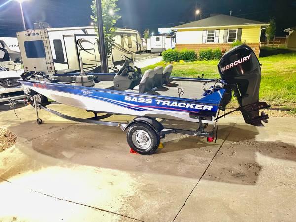 Photo 2013 Bass Tracker Pro Team 175 TF - $14,900 (Marietta Georgia)