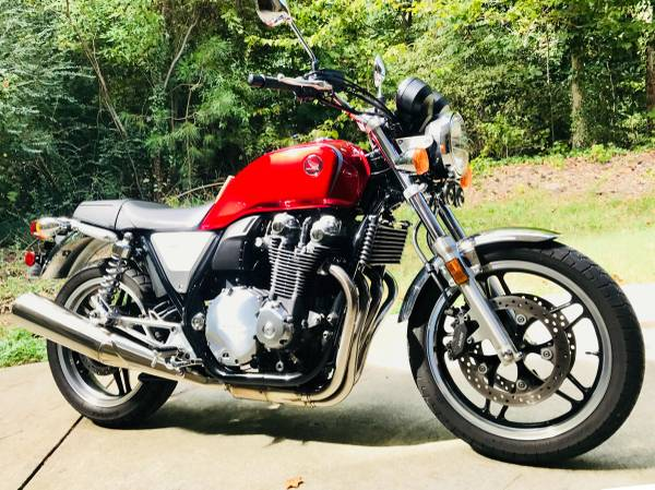 Photo 2013 Honda CB 1100 for sale-Immaculate (Lindridge Martin Manor)
