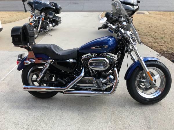 Photo 2015 Harley Sportster 1200C - $7,400 (Suwanee)