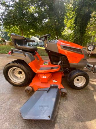 Photo 2015 Husqvarna GT52XLS Garden tractor - $2,500 (Acworth)