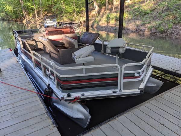 Photo 2039 Sun Tracker DL Bass Buggy Pontoon Boat - $6,000 (Cumming GA)