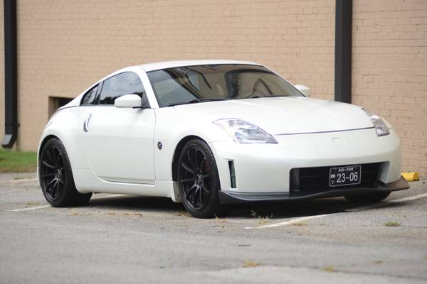 Photo 3903 Nissan 350Z OUTSTANDING - $6,800 (Winder)