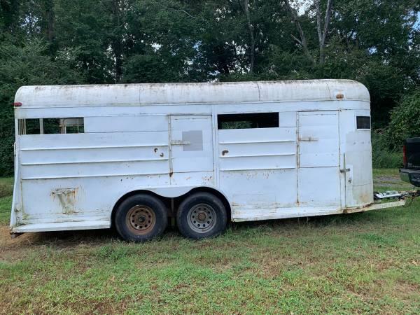 Photo 4 horse bumper pull trailer - $2,500 (Covington)