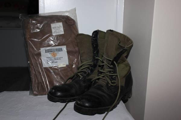 Photo Army Issue Combat Boots  T-Shirts - $15 (Fayetteville)