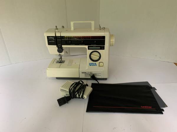 Photo Brother VX-950 Electronic Sewing Machine Pattern LCD w Auto Butto - $220 (lawrenceville)