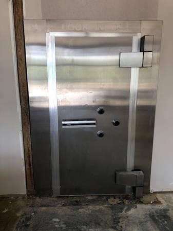 Photo Diebold Vault Safe Door Titan Series Class II - $12,500 (Milledgeville, GA)