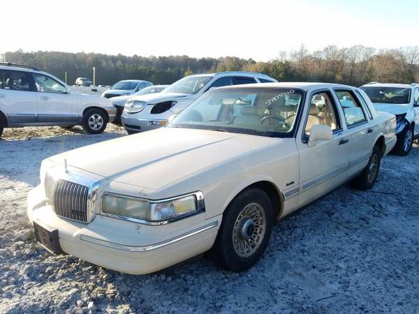 Photo FOR PARTS1997 LINCOLN TOWNCAR (Conley)