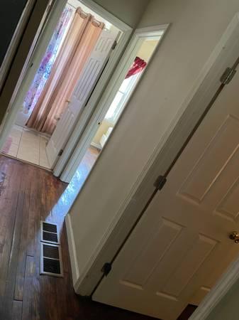 Photo Female looking for female roommates (Atlanta)