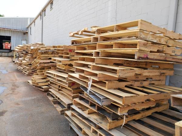 Photo Free wood pallets (cartersville)