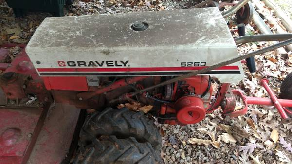 Photo Gravely 5260 Mower Tractor Lawn  Brush Cutting Deck - $1400 (FAYETTEVILLE)