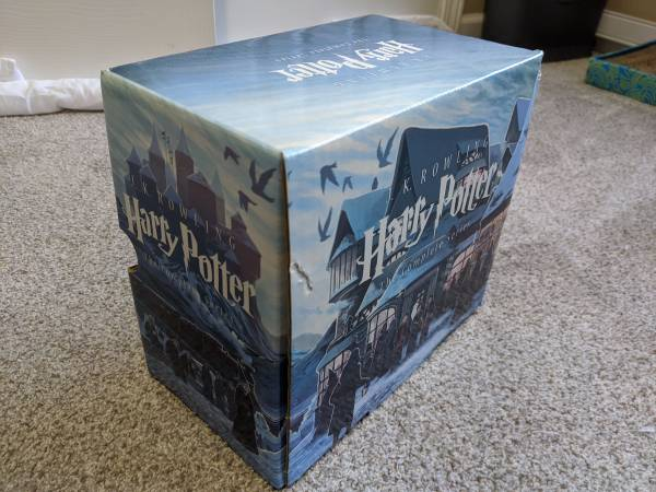 Photo Harry Potter entire 7 book series - $40 (Norcross)