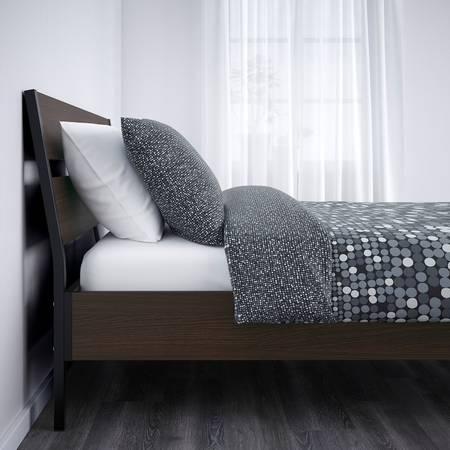 Photo IKEA queen bed  mattress - $300 (Milton)