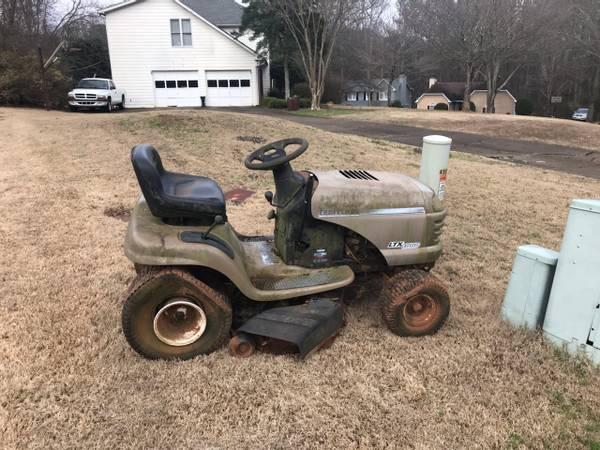 Photo Lawn mower riding craftsman (Marietta)