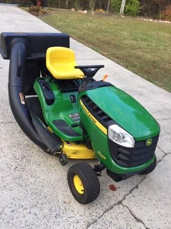 Photo Like New John Deere Riding Mower 53 Hours - $1200 (Canton, GA.)