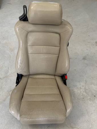 Photo Mitsubishi 3000GT Leather Seat Set Dodge Stealth - $200 (Dallas)