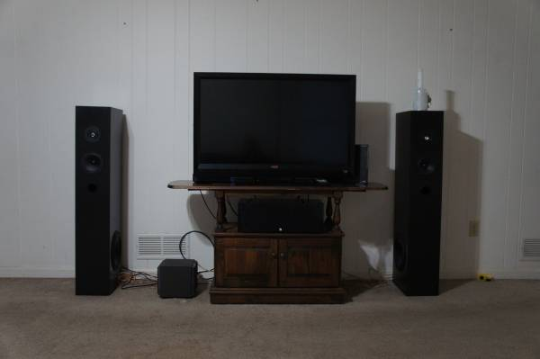 Photo Moving sale Home Theater system Front speakers center and subwoofer - $225 (Marietta)