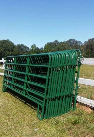 Photo New Green 12 ft Round Pen Horse Panels - $79 (FREE Delivery to your location)