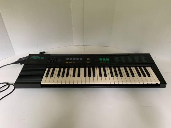 Photo Nice Yamaha PSR-6 Electronic Portable Keyboard Synthesizer w Power - $85 (lawrenceville)