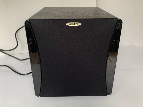 Photo Really Nice Velodyne Impact 10 150 Watt Compact Powered Subwoofer - $125 (lawrenceville)
