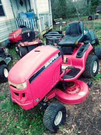 Photo Riding Mower (Snapper LT 200) - $300 (Lula,Ga.)