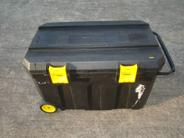 Photo Stanley 50 Gallon Mobile Tool Chest - $45 (CummingAlpharetta)