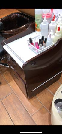 Photo WTS Nail Salon Furniture - $2,800 (Gwinnett)