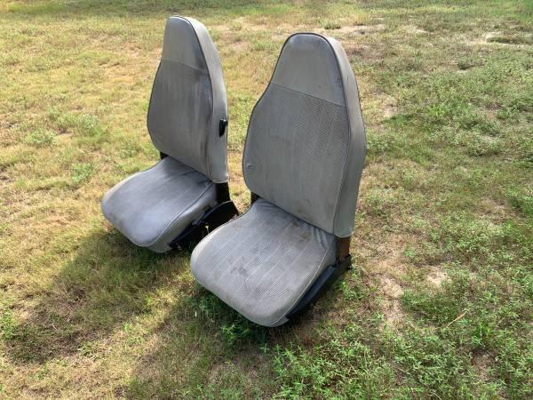 Photo 1973 Only VW Beetle Volkswagen Bug Front Seats - $300 (Graniteville)