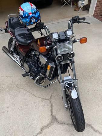 Photo 1984 Honda V65 Magna - $5000