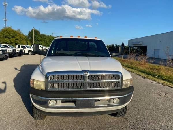 Photo 2001 DODGE RAM Flatbed 3500 - $15,990 (Sarasota, FL 941-408-4199)