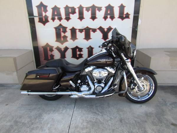 Photo 2011 HARLEY-DAVIDSON STREET GLIDE - $14,995 (COLUMBIA, SC)