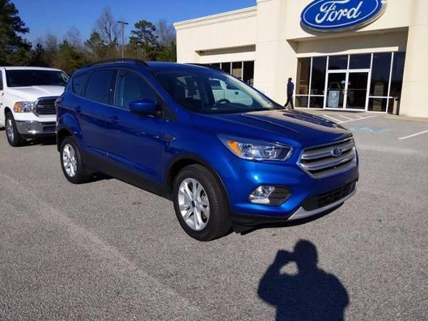 Photo 2018 Ford Escape SUV SE FWD - Lightning Blue Metallic (Ford_ Escape_ SUV_)