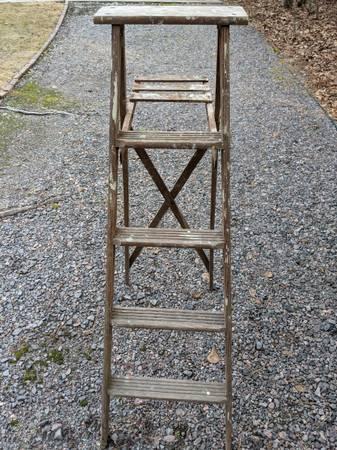 Photo 5 Foot Wood Step Ladder - $60 (North Augusta, SC)