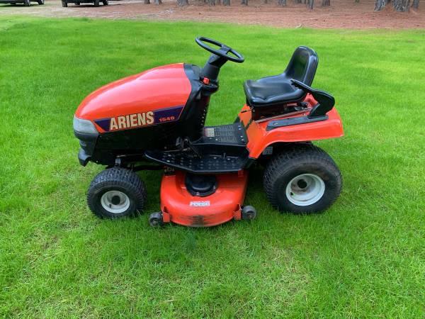 Photo Ariens 1540 Riding Mower - $600 (Appling)