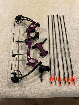 Photo Bear Cruzer Lite Compound Bow Left Handed - $150 (GROVETOWN)