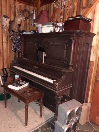 Photo Beautiful Piano Free to a good home (Statham, Ga)