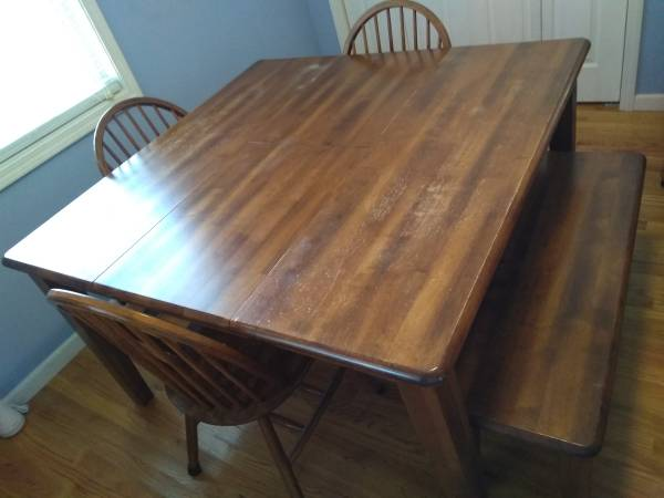 Photo Butterfly leaf dining table with chairs and bench - $150 (Hephzibah, Ga)