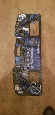 Photo Compound bow fishing kit - $130 (North Augusta SC.)