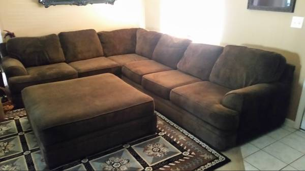 Photo Couch and ottoman - $550 (Ivy Falls)
