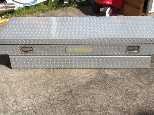 Photo Diamond Plate Aluminum Truck Box Cross Bed Tool Box - $100 (Augusta)