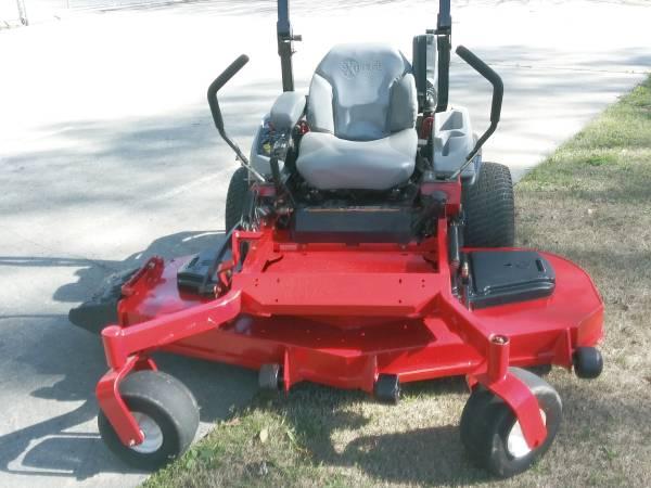 Photo Exmark Lazer Z zero-turn mower - $7600 (Doraville)