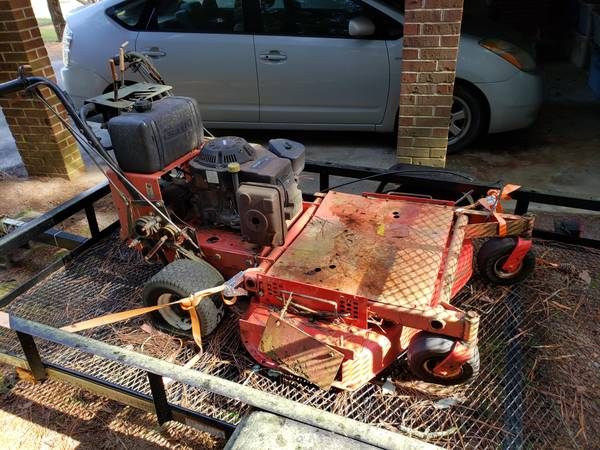 Photo Gravely 50quot Walk Behind Mower - $150 (Thomson)