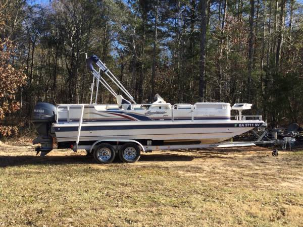 Photo Hurricane Deck Boat - $11,000
