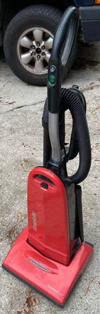 Photo Simplicity SYMS.2 Symmetry Upright Red Vacuum Cleaner. I just serviced - $75 (Martinez)