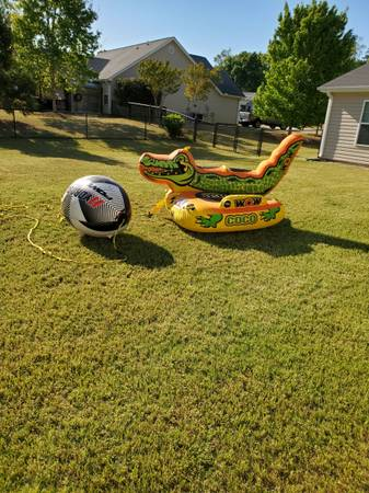 Photo Towable Tube for Boat - $350 (Anderson)