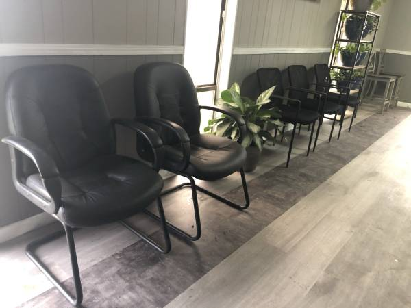 Photo Used Faux Leather Office Chair - $40